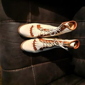 Ladies Justin lace up boots